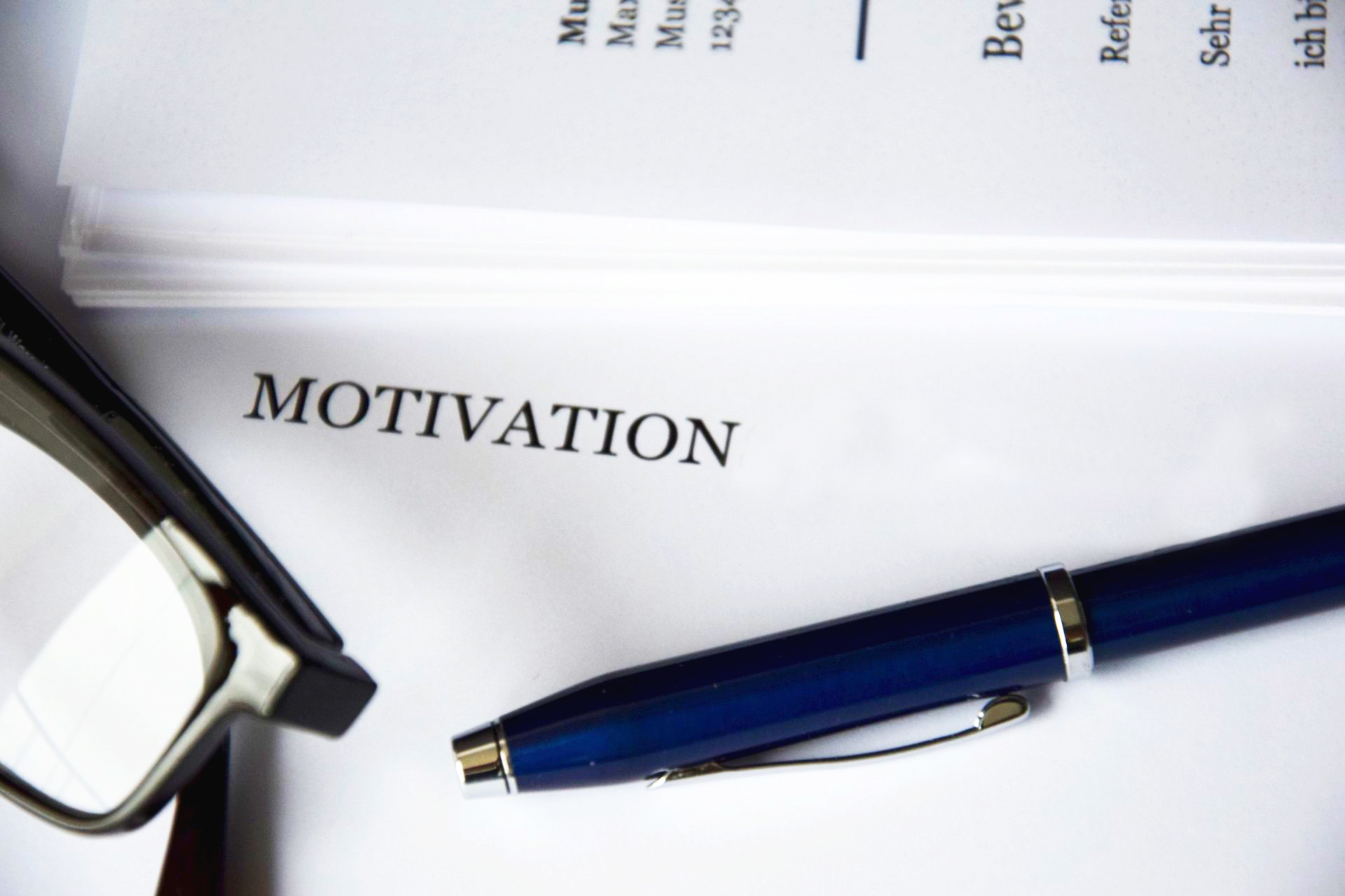 letter motivation white paper pen